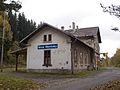 Malá Morávka, nádraží, budova zezadu.jpg
