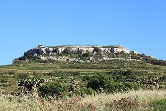 Fort Binġemma - Fort Binġemma as seen from Mġarr