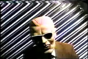 English: Unidentified man wearing Max Headroom...
