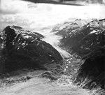 Meade Glacier, valley glacier seperating, August 26, 1960 (GLACIERS 5240).jpg
