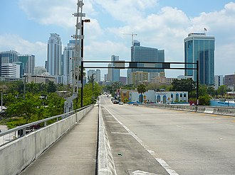 Miami Avenue - Image: Miami Avenue south