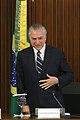 Michel Temer como Presidente da República (bandeiras e placa).jpg