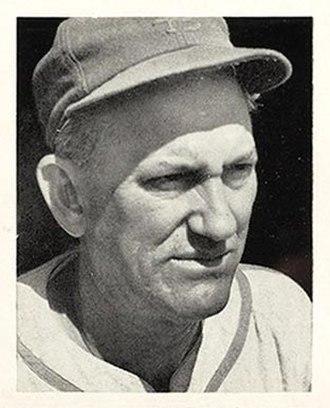 Mike González (catcher) -  González with the Cardinals