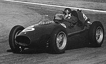Mike Hawthorn alla guida della Ferrari nel Gran Premio di Argentina del 1958. Hawthorn si ritirò dalle competizioni dopo la conquista del titolo, ma morì pochi mesi dopo in un incidente stradale.