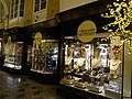 Milleperle, Burlington Arcade, London 01.jpg