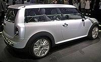 2005年フランクフルトショーで発表されたコンセプトカーこの時点ではまだ2ドアであった。