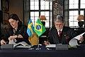 Ministra da Defesa da Suécia em reunião com a comitiva Brasileira para assinatura de acordo (13701753254).jpg