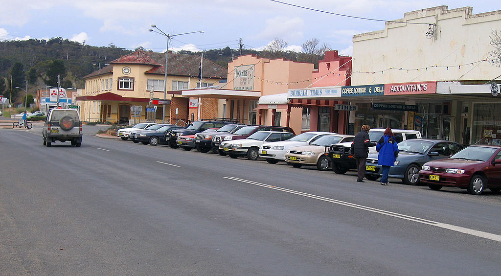 Monaro Highway, in Bombala.jpg