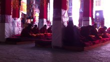 File:Monks chanting, Drepung monastery, Tibet.webm