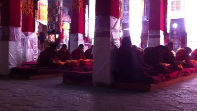 File:Monks chanting, Drepung monastery, Tibet.webm