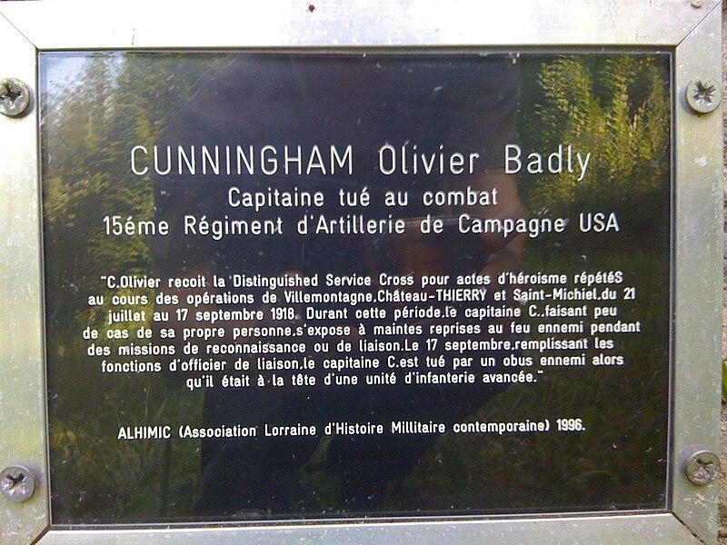 Plaque sur le monument au capitaine Cunningham, forêt de Jaulny
