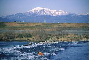 Mount Ibuki - Image: Mount Ibuki from Ibi River 1998 02 16