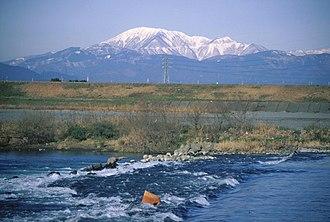 Mount Ibuki - Image: Mount Ibuki from Ibi River 1998 02 16