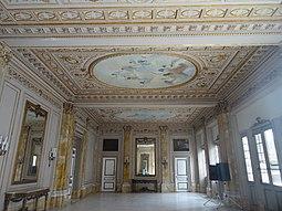 Museo de la Revolucion Salón Dorado Louis XVI.jpg