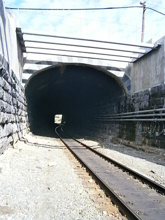 National Docks Secondary - Tunnel rebuilt to handle higher clearances
