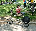 Neobike Queensbridge Pk jeh.JPG