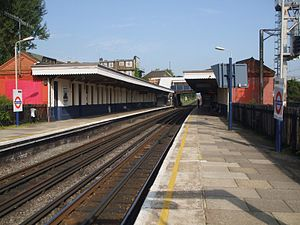 North Wembley station - Image: North Wembley stn look north