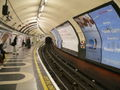 Northbound Bakerloo Line platform at Waterloo 02.jpg