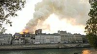 Notre-Dame de Paris, Incendie 15 avril 2019 19h19.33.jpg