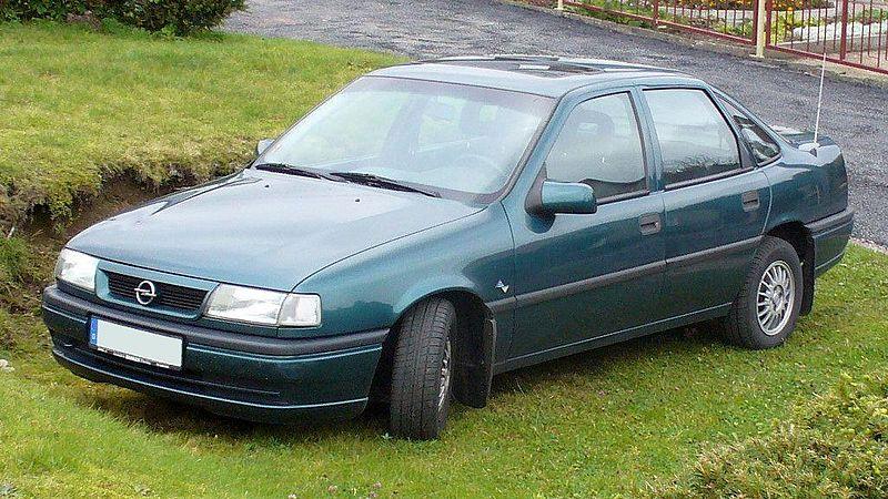 Opel Vectra A 800px-Opel_Vectra_A_1.6i_Facelift