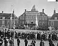 Overzicht van de voorbijtrekkende menigte, Bestanddeelnr 912-1849.jpg