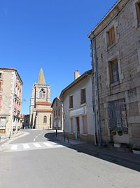 Périgneux - Route et église.jpg