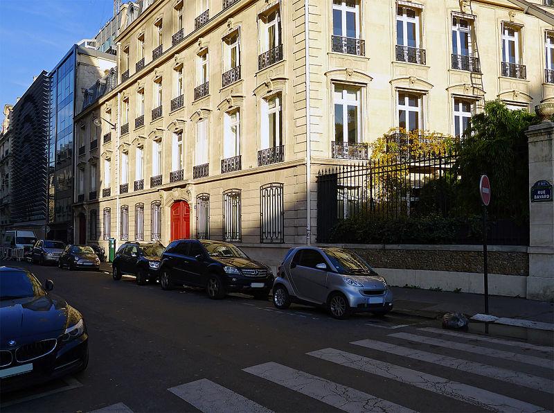 Fichier:P1220090 Paris VIII rue Bayard rwk.jpg