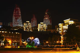Panorama of night Baku, Azerbaijan IMG 9682.jpg