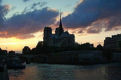 Paris-Notre-Dame JBU02.jpg