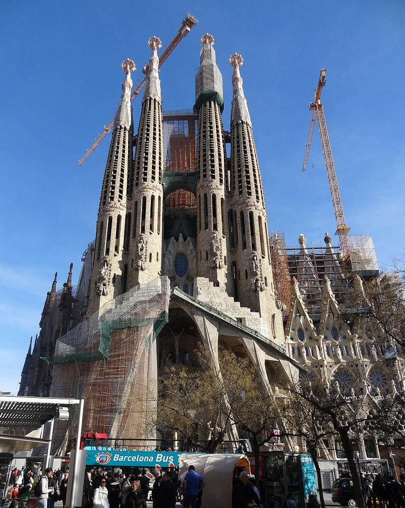 facade the 2013 Familia, Sagrada February of File:Passion