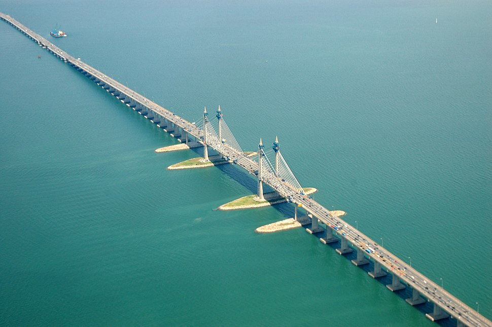Penang Bridge in extension