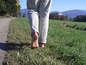English: Barefoot hiking south of Penzberg, Ge...