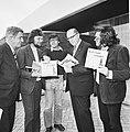 Persconferentie in Amsterdam van KNSB t.g.v. 100-jarig bestaan KNSB v.l.n.r. me, Bestanddeelnr 927-1326.jpg