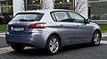 Peugeot 308 82 VTi Active (II) – Heckansicht, 4. Januar 2014, Düsseldorf.jpg