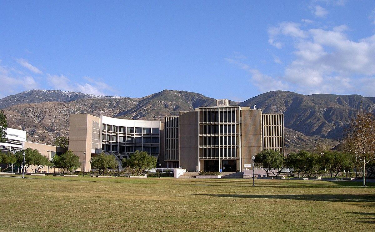 Cal State University San Bernardino >> John M. Pfau Library - Wikipedia