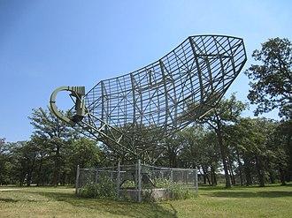 Pinetree Line - Image: Pinetree Line Radar Parabolic Antenna