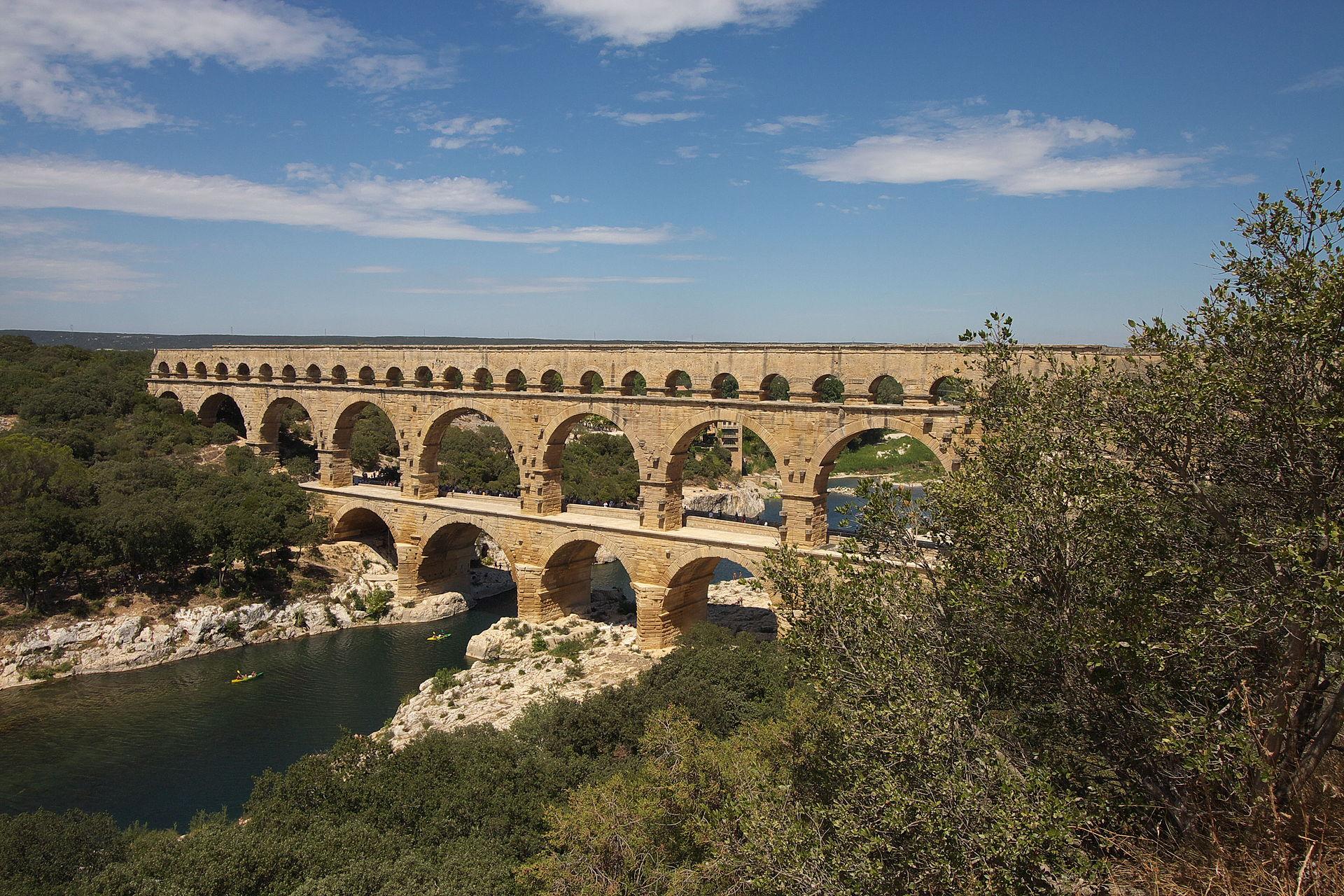 gard pont du vers wikipedia france famous inventions aqueduct most roman five