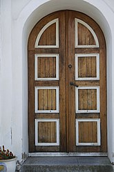 Fil:Port Vallby kyrka.JPG