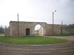Porterie du prieuré de Saulseuse.JPG