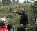 Prof. Dr. Thomas Hartmann bei einer Exkursion am 2013-06-16.jpg