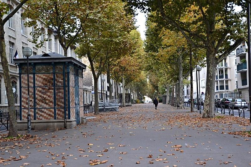 Fichier:Promenade Dora-Bruder, Paris 9 October 2015.jpg