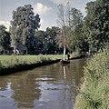 Punteren in een met riet beladen boot - Giethoorn - 20351663 - RCE.jpg