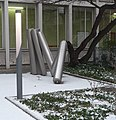 Raumsäule 22 von Erich Hauser im Hof der Stadtbibliothek - panoramio.jpg