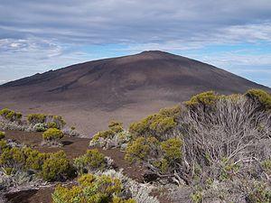 Piton de la Fournaise (Réunion island) seen cl...
