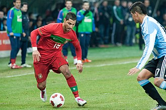 Ricardo Quaresma - Quaresma (left) challenging Marcos Rojo of Argentina in a friendly match on 9 February 2011.