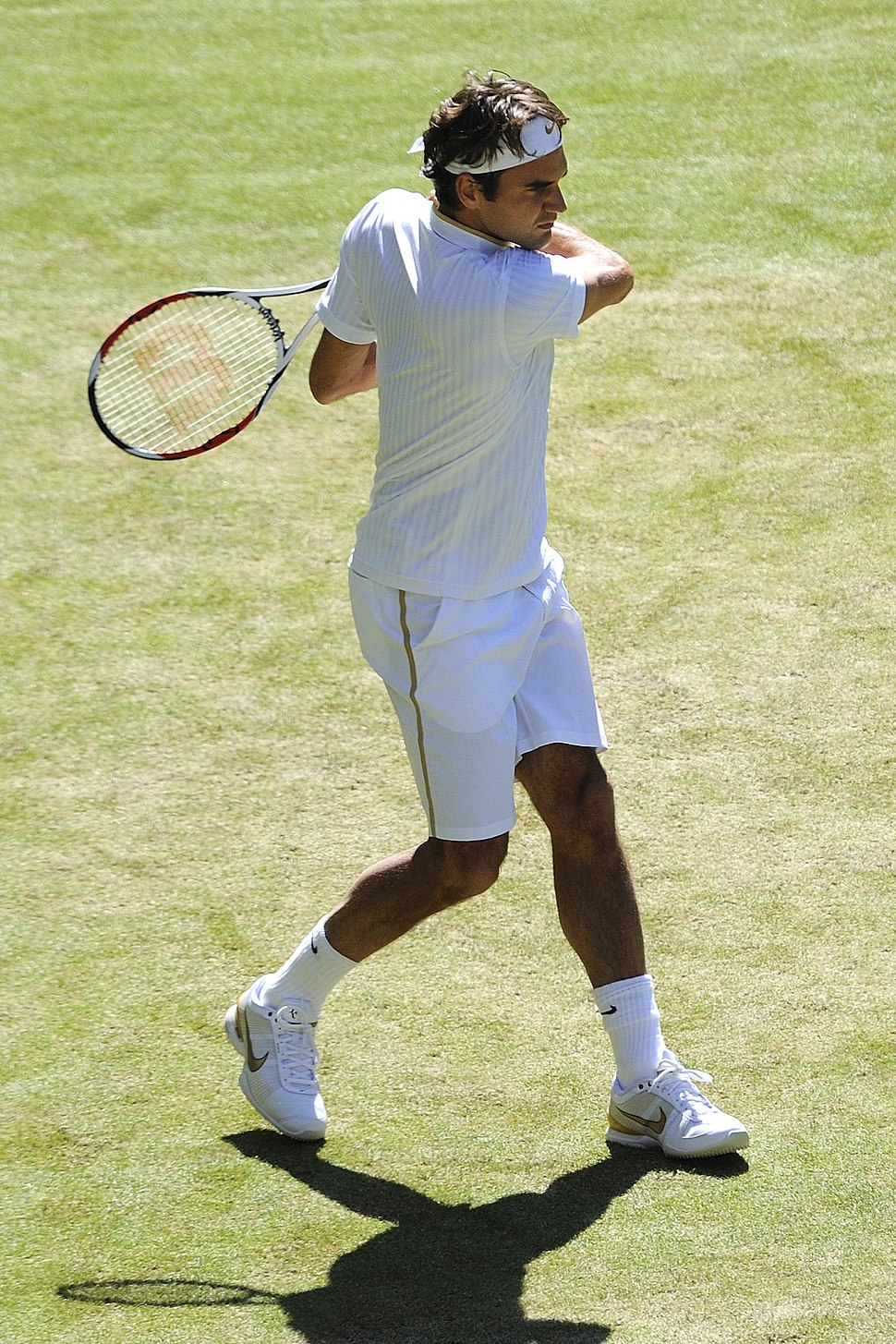 Roger Federer at the 2009 Wimbledon Championships 07