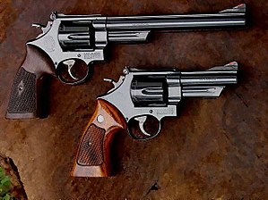 Smith & Wesson Model 29 - Image: S&W Model 29 comparison