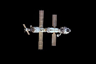 Expedition 1 - The ISS during Expedition 1, seen during the approach of STS-97, the first Shuttle mission to visit the inhabited space station
