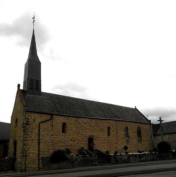 Chapelle des Haies en Saint-Berthevin-la-Tannière (53). Façade occidentale et flanc sud.