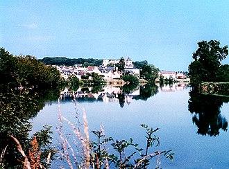 Saint-Aignan, Loir-et-Cher - Saint-Aignan seen from the bank of the Cher River